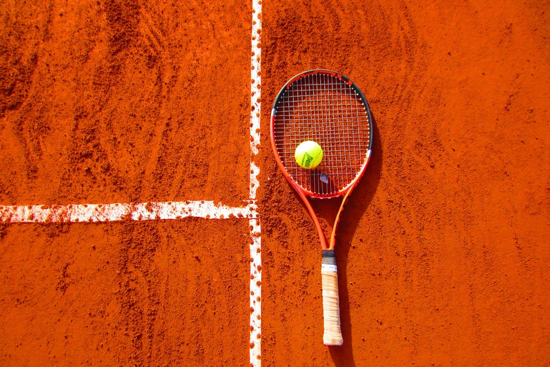 tennis elbow causes problems