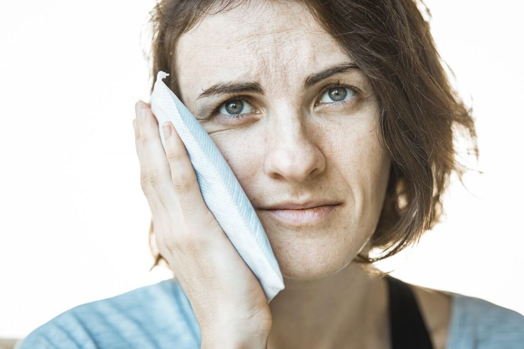 Icepack for Jaw Pain